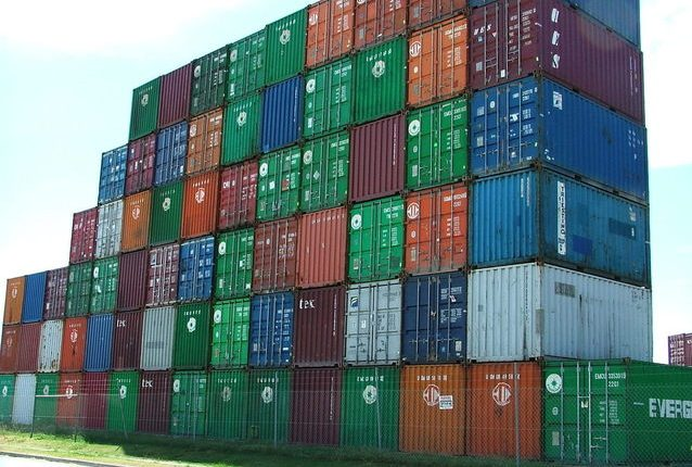 Containers 1529075 638x480 1